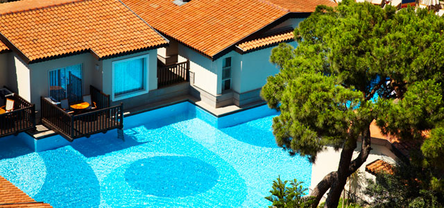 COMMERCIAL POOLS & APARTMENT POOLS AND SPA MAINTENANCE